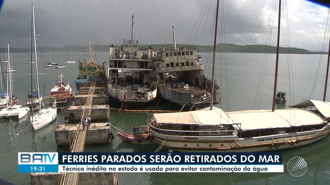 Ferries desativados passam por manutenção e serão retirados da baía de Aratu