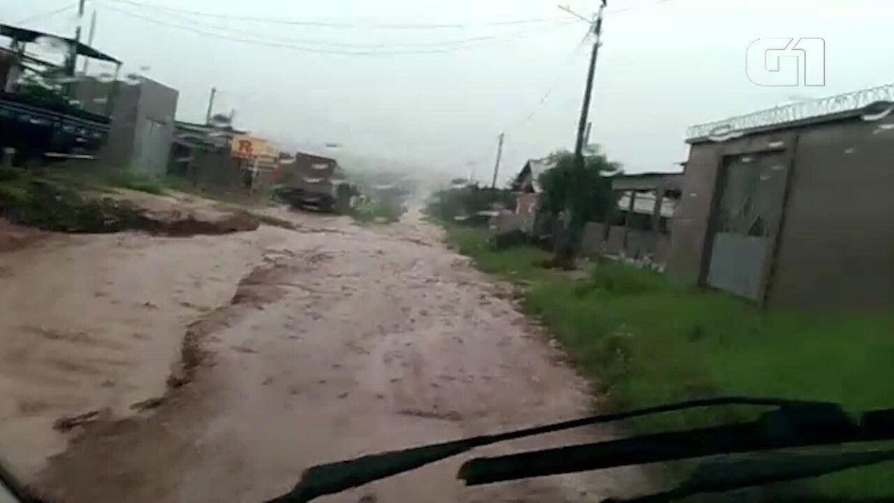 Vídeo mostra situação de ruas de Monte Alegre durante as chuvas