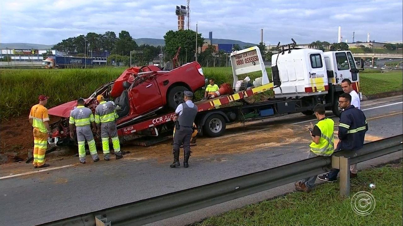 Jovem morre após colidir carro com carreta na Rodovia Anhanguera