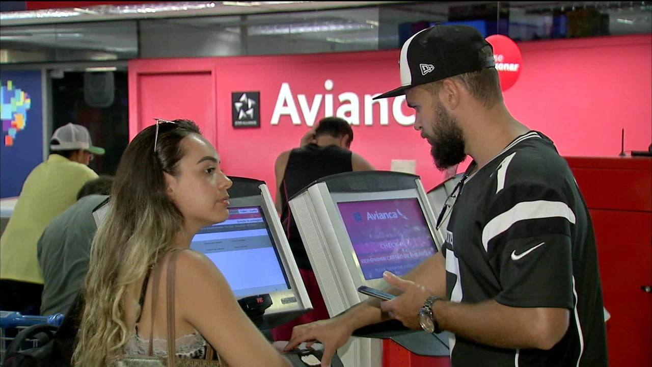 Passageiros da Avianca vivem incerteza sobre voos
