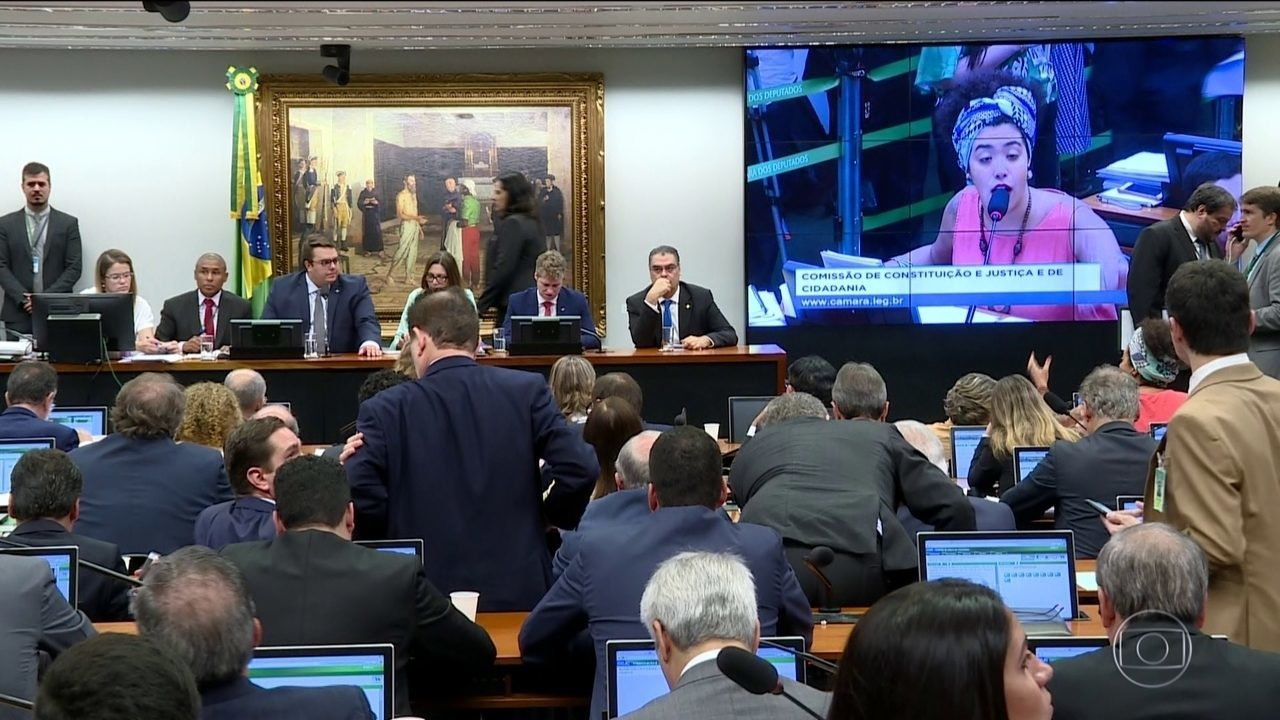 Presidente da CCJ diz que votação da Previdência ficará para semana que vem