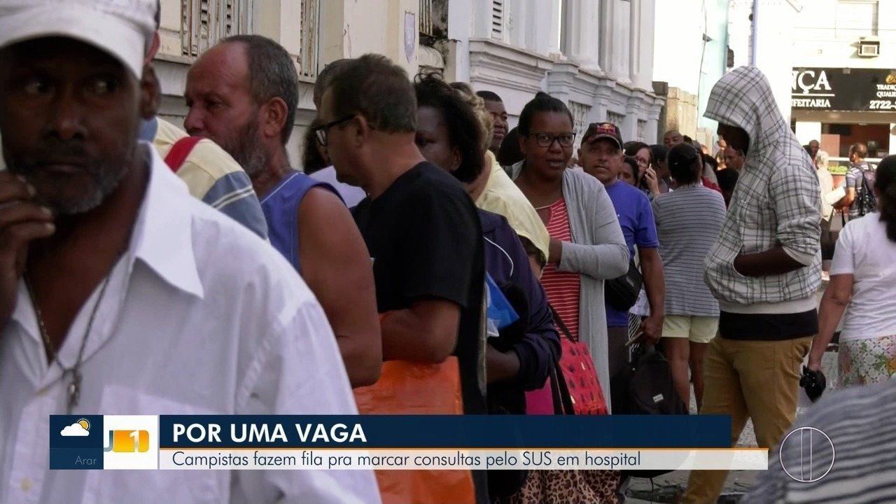 Campistas fazem fila pra marcar consultas pelo SUS em hospital