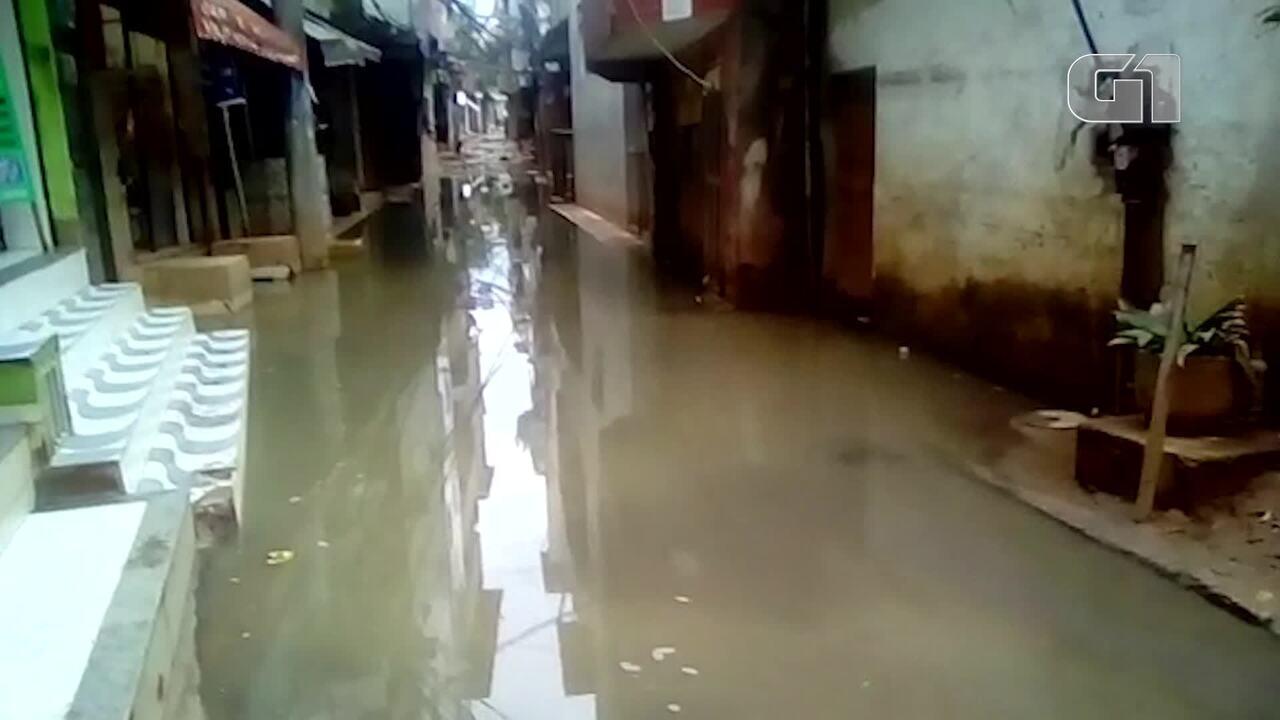 Uma semana após desabamentos, moradores cobram saneamento e serviços básicos na Muzema