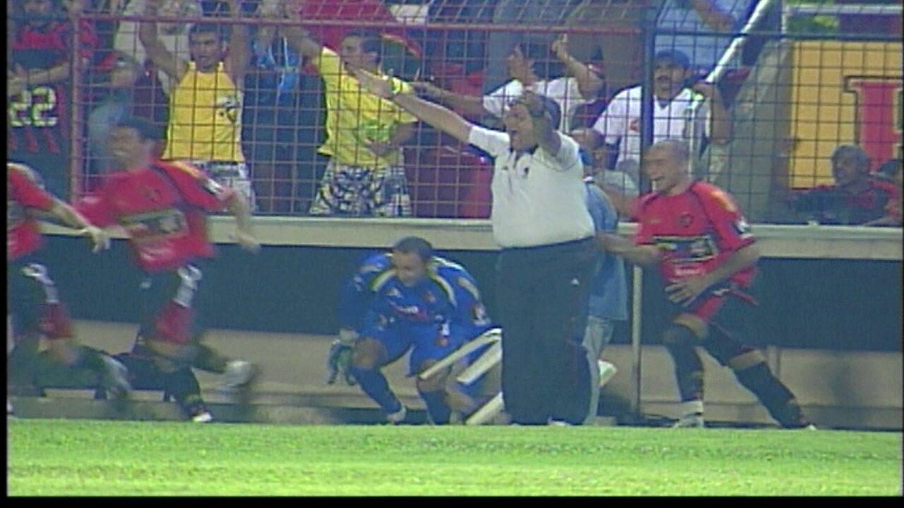 Sport goleia Náutico em 2007