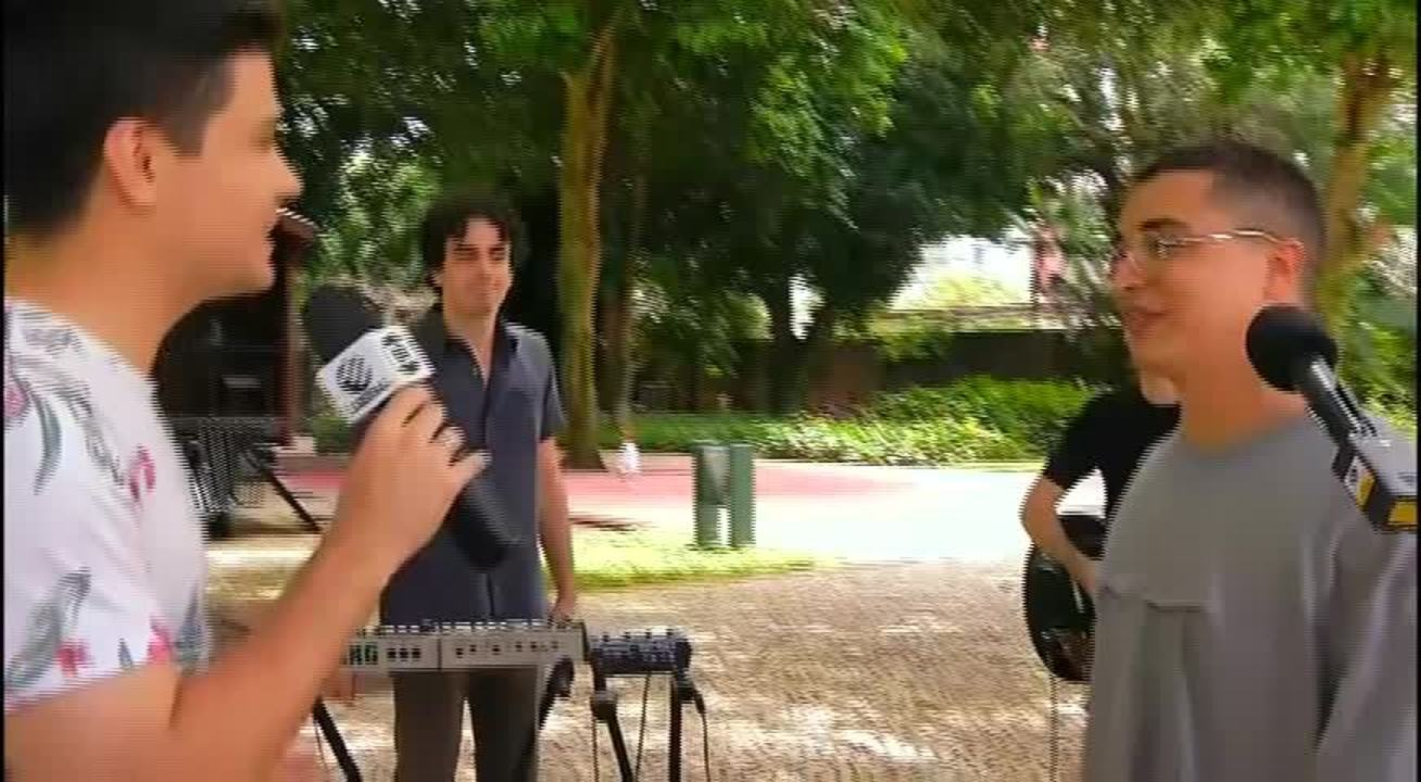 Arthur Nogueira faz show neste sábado, com Fernanda Takai