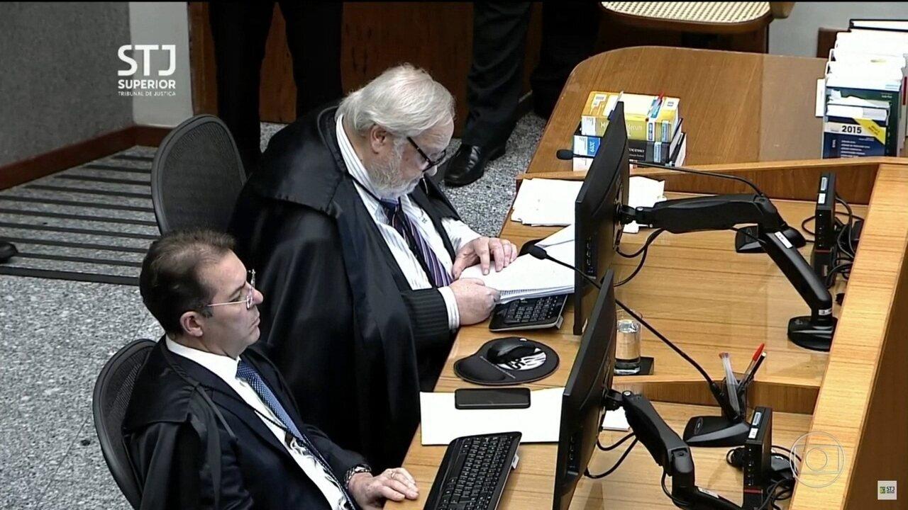Relator inicia voto e nega pedido para anular processo
