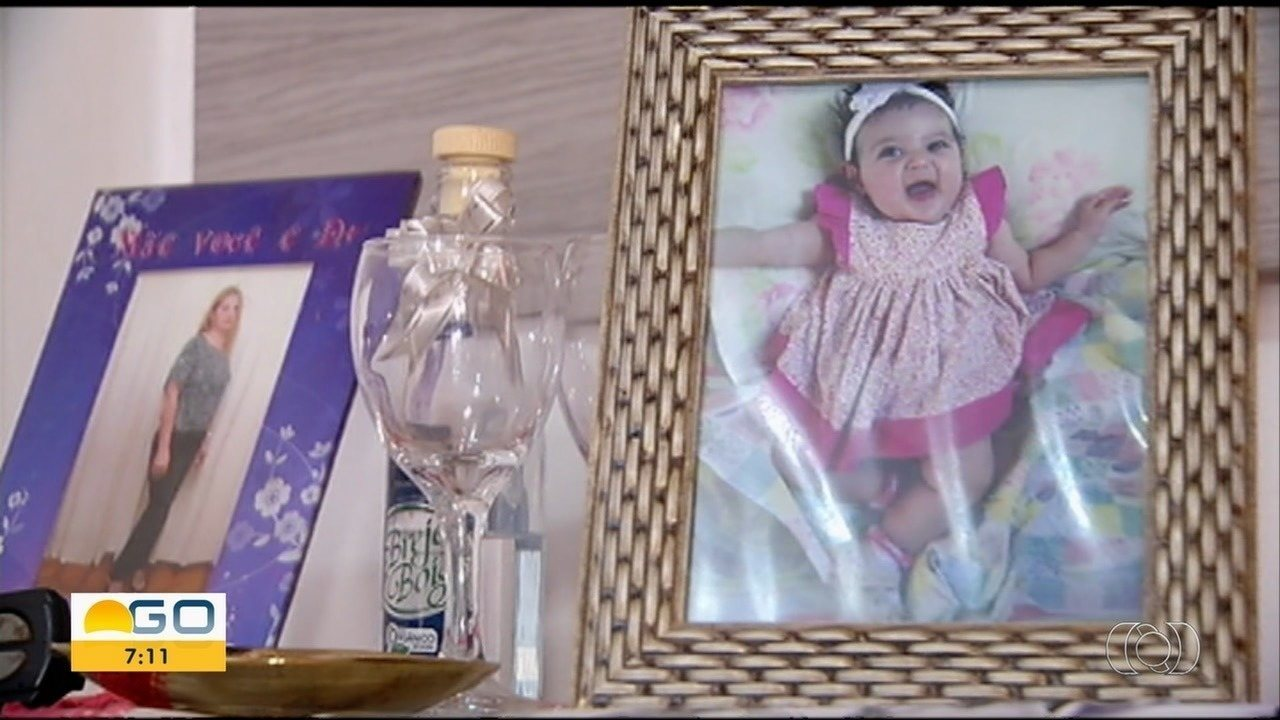 Mãe lamenta a morte da filha de 1 ano; padrasto confessou ter espancado vítima