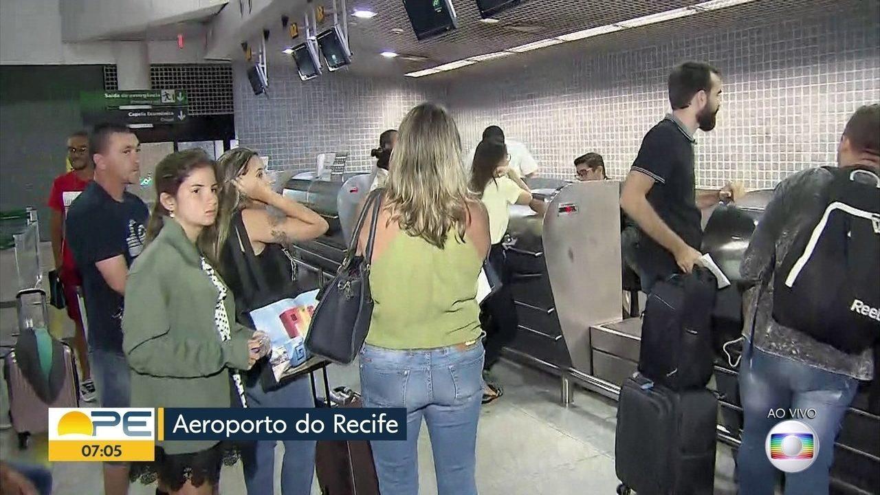 Passageiros reclamam de falta de assistência da Avianca
