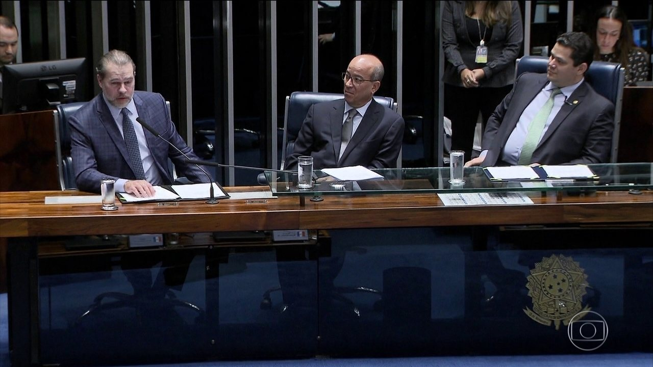 Senado faz sessão especial em homenagem aos 54 anos da TV Globo