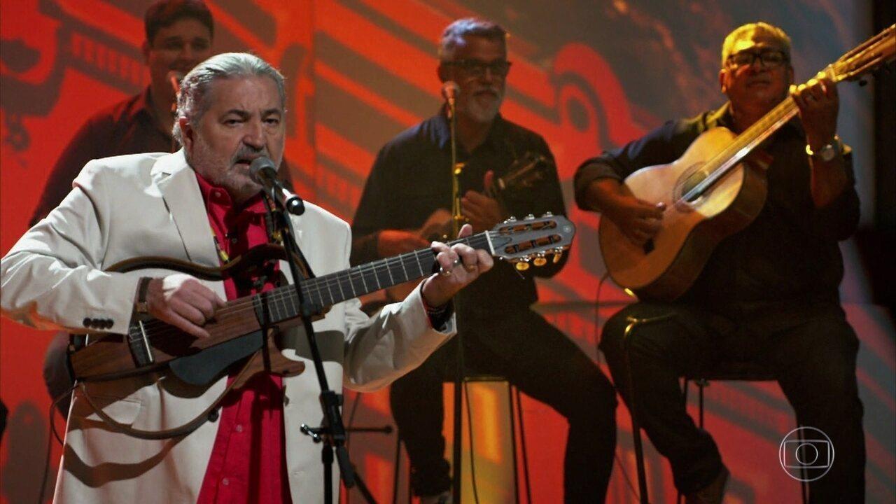 """Moacyr Luz canta """"A Reza do Samba"""""""