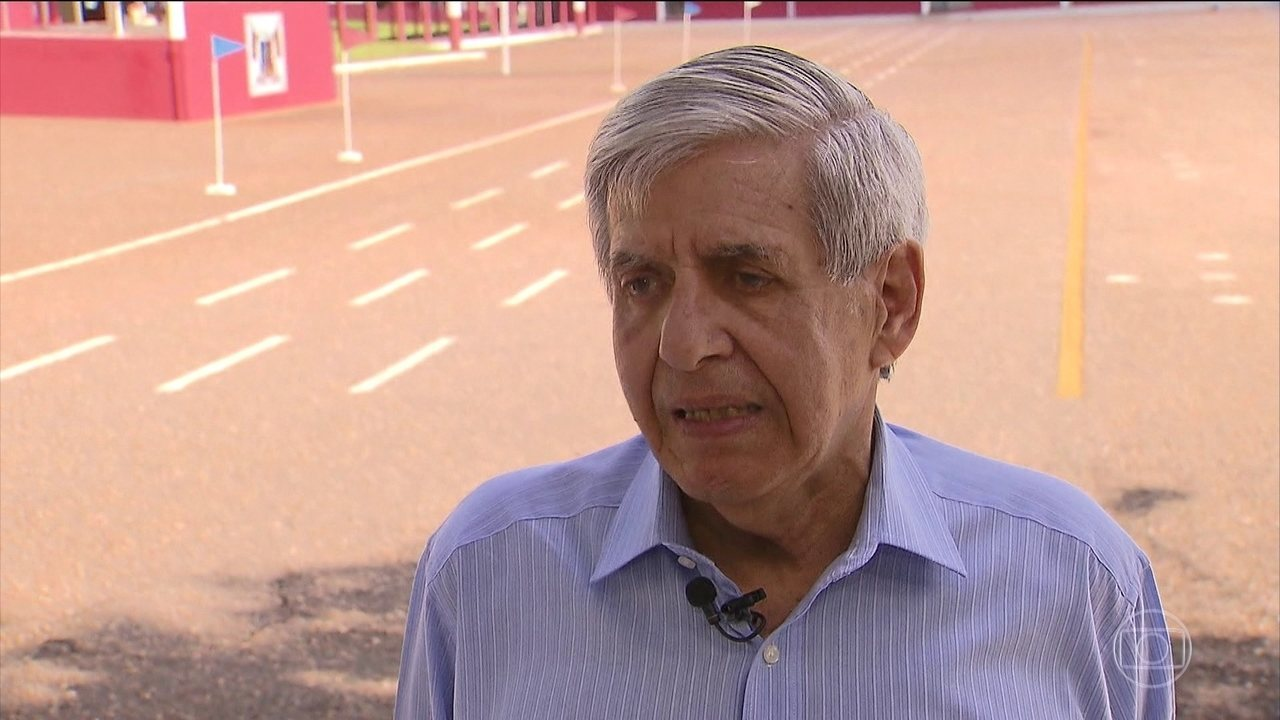 Ministro Augusto Heleno volta a dizer que governo não vai intervir na crise da Venezuela