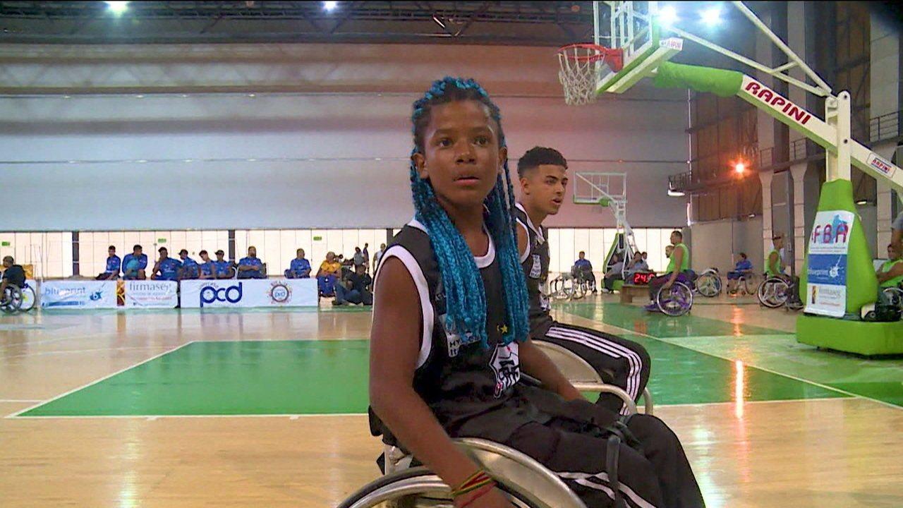 Conheça a história de Kewin, cadeirante de 12 anos que descobriu no basquete uma alegria