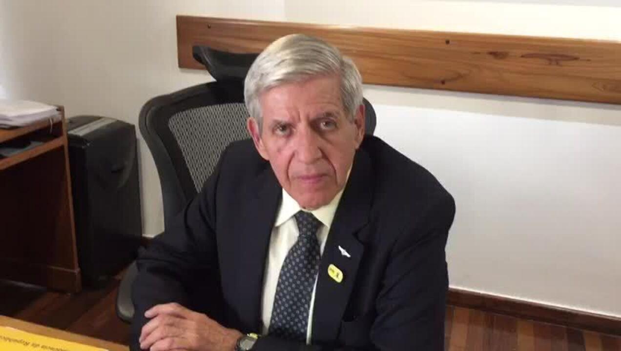 Bolsonaro mandou 'virar página' e não alimentar discussão com Olavo, diz ministro