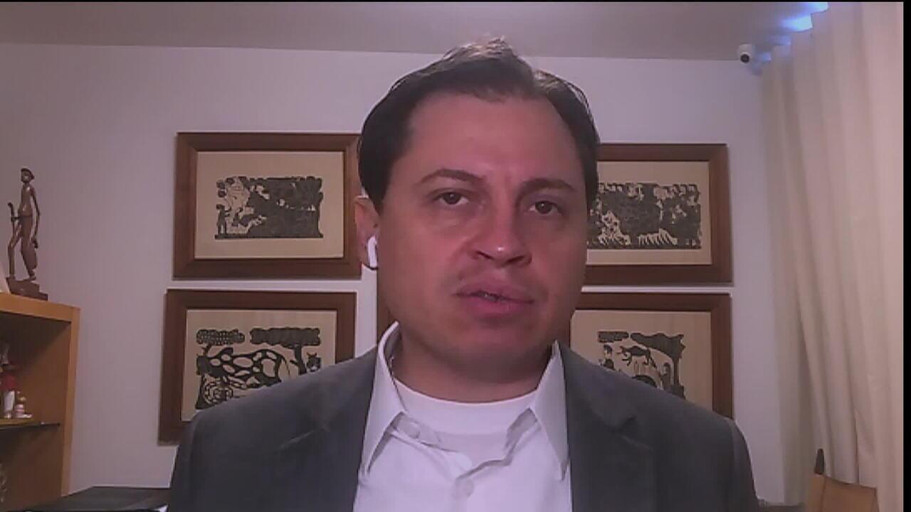 Bolsonaro diz que pretende indicar Moro para o STF