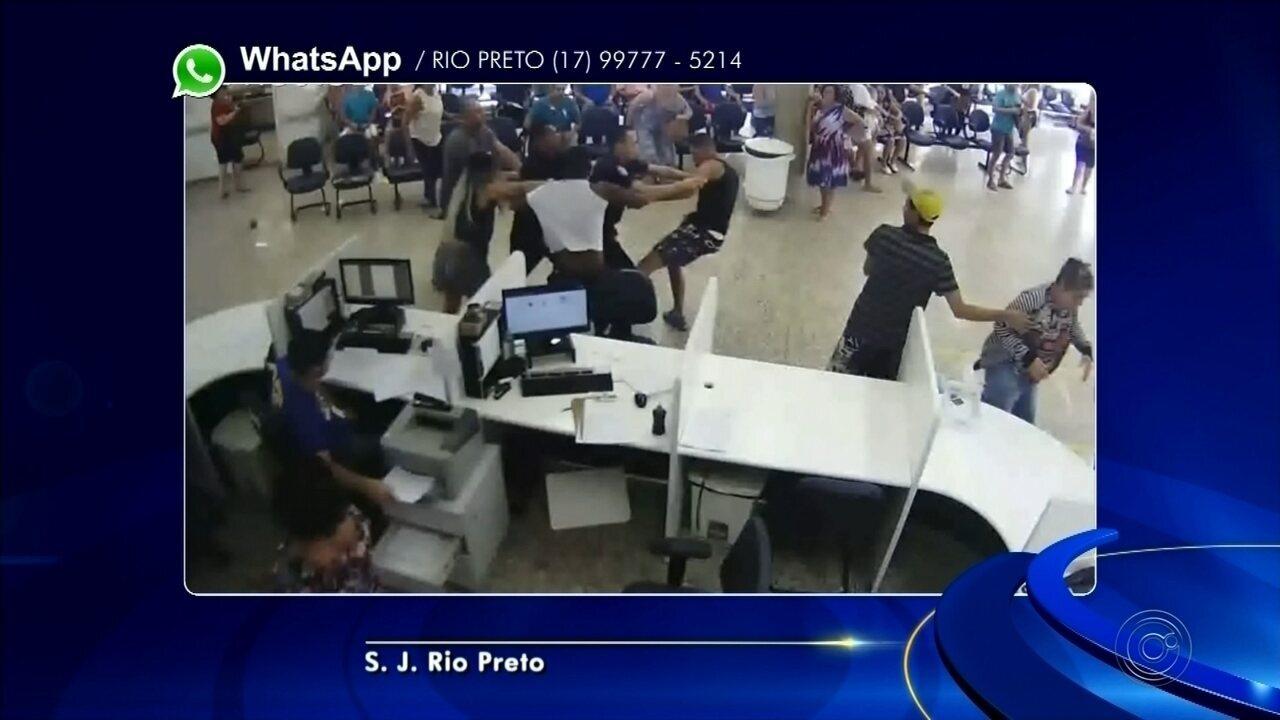 Mãe e filho se envolvem em briga com suposto autor de estupro dentro de UPA de Rio Preto