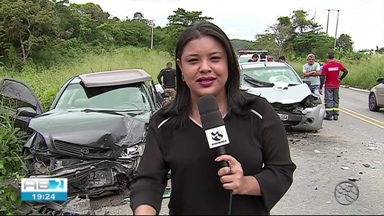 Mulher morre e quatro pessoas ficam feridas em acidente em Caruaru