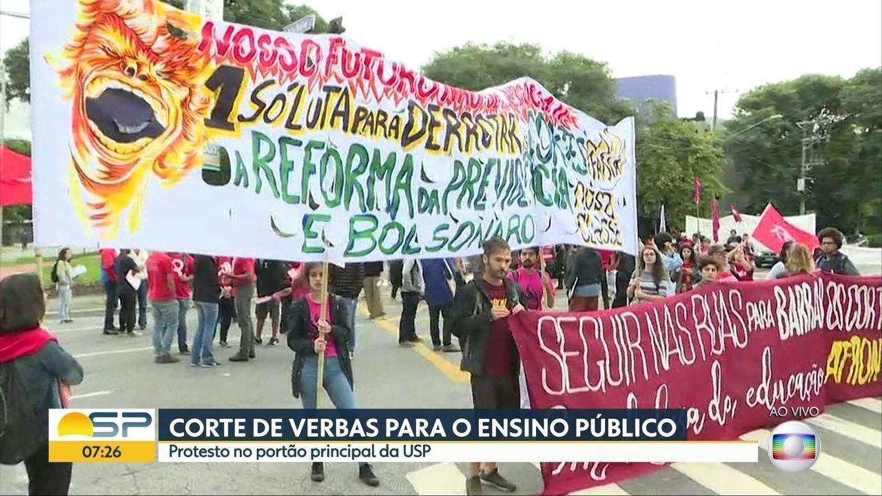Universidades de SP fazem paralização contra cortes anunciados da educação
