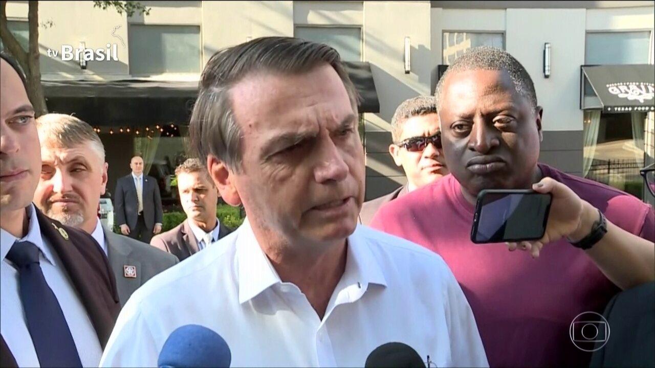 Jair Bolsonaro comenta investigação sobre seu filho, Flávio Bolsonaro