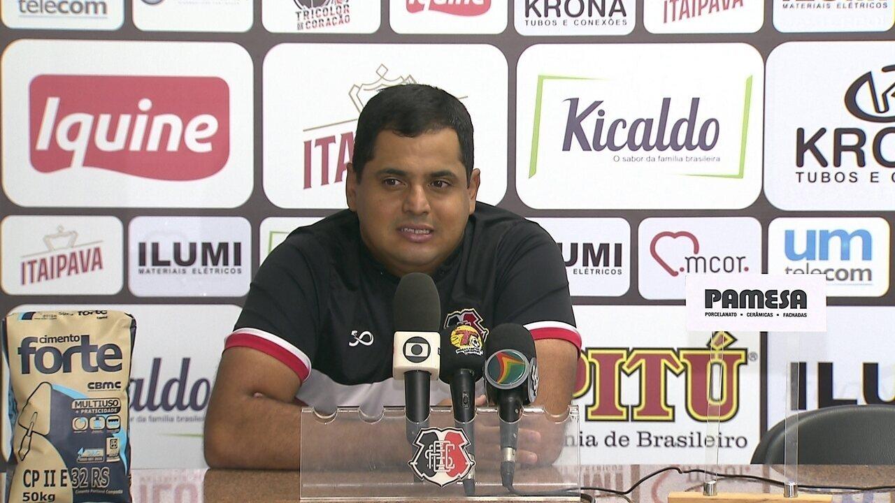 Confira, na íntegra, a entrevista coletiva do técnico Leston Júnior (17/05)