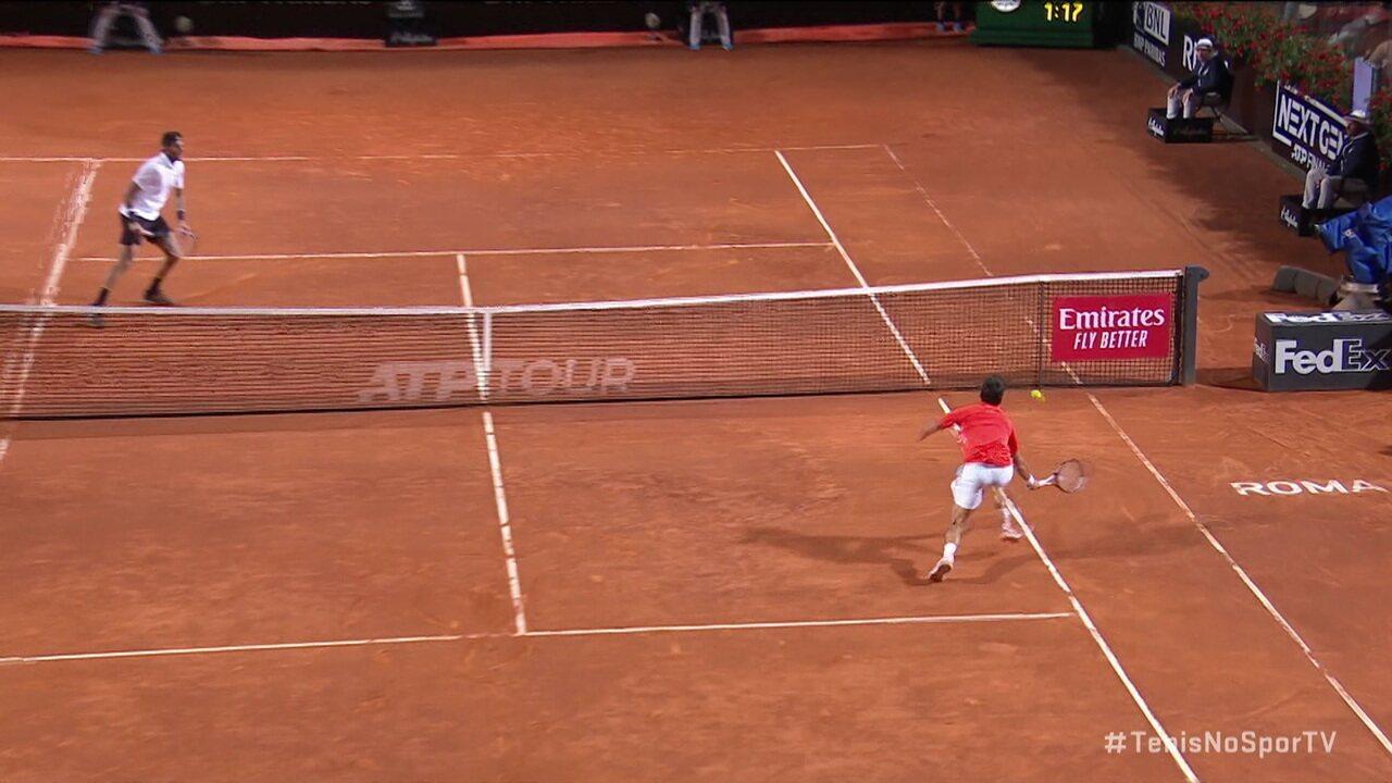 Djokovic vence rali espetacular diante de Del Potro, em Roma