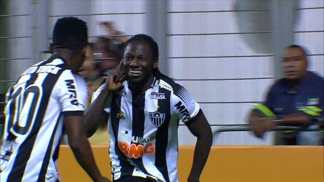 Gol do Atlético-MG! Chará pega de primeira sem ângulo e faz um golaço a 1 do 2º tempo