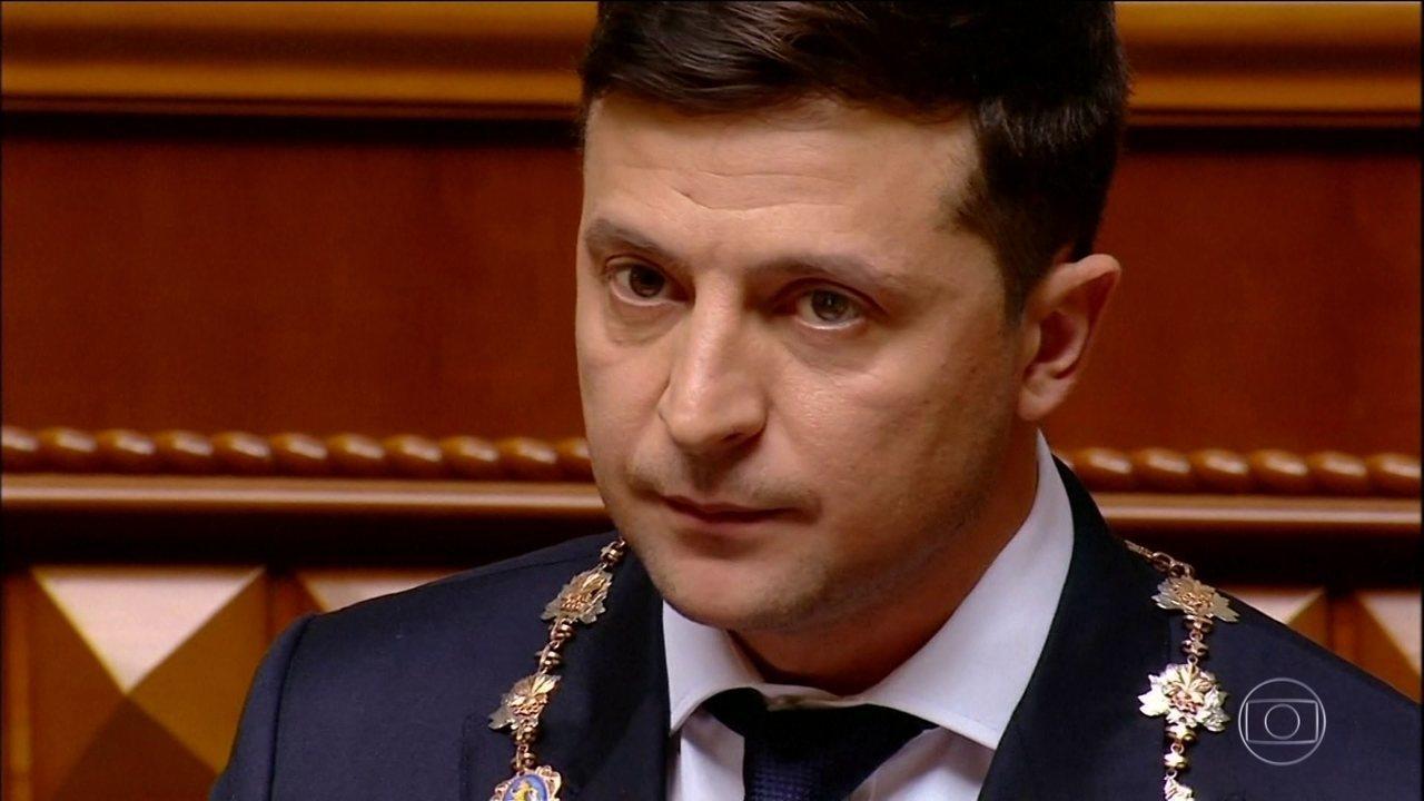 Novo presidente da Ucrânia toma posse, dissolve parlamento e convoca novas eleições