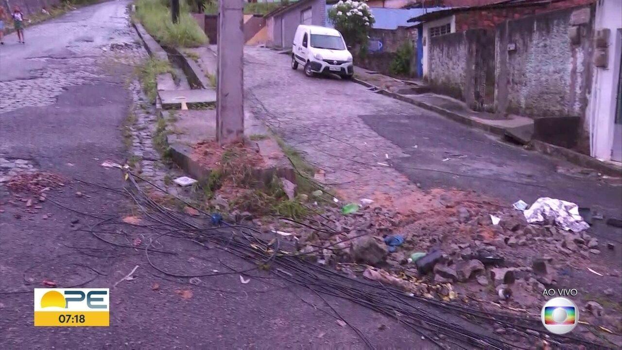 Idoso morre atropelado por máquina em obra de asfaltamento na Macaxeira
