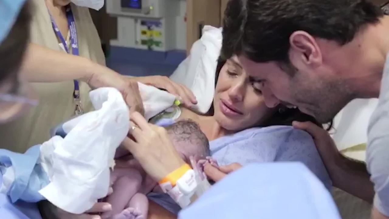 Talula mostra vídeo do parto do seu terceiro filho; veja!