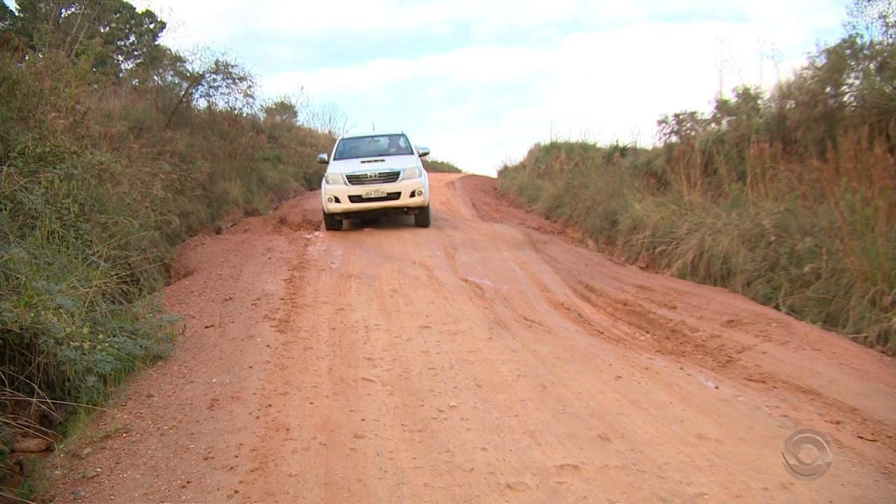 Motoristas sofrem com estradas sem asfalto em municípios do RS