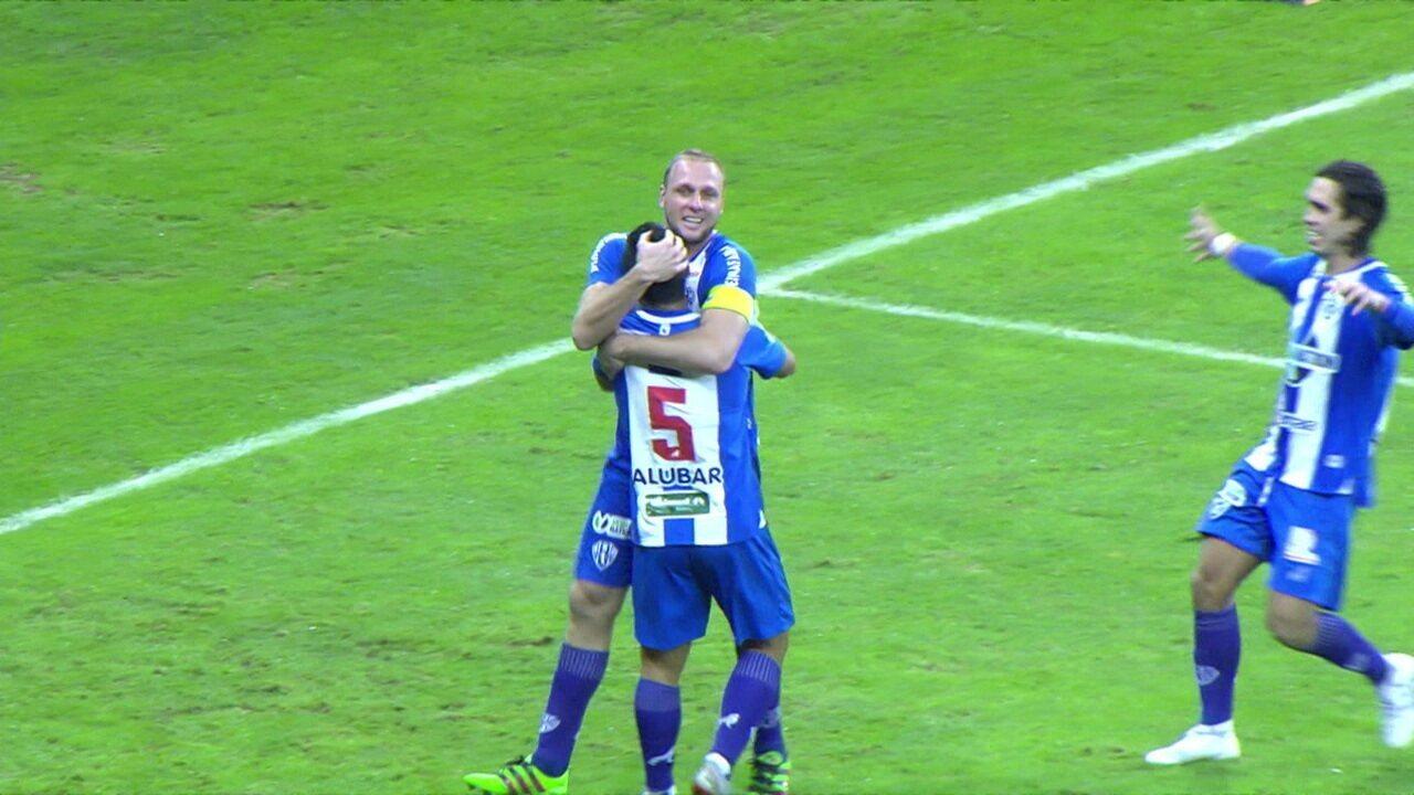 Gol do Paysandu! Bruno Collaço cruza e Micael cabeceia para marcar o empate, aos 02' do 2º tempo