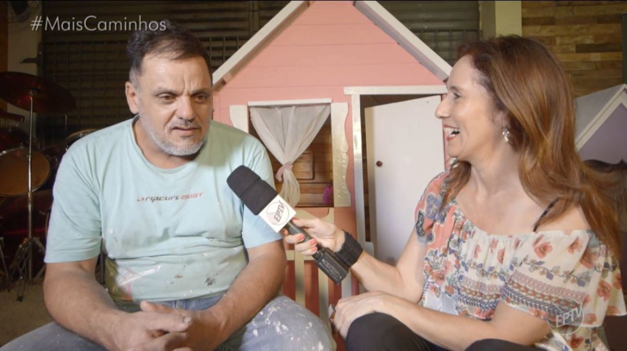 Edlaine Garcia visita projeto que capacita moradores de rua na marcenaria