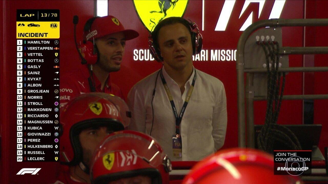 Felipe Massa aparece nos boxes da Ferrari e Leclerc fala sobre prejuízos no carro