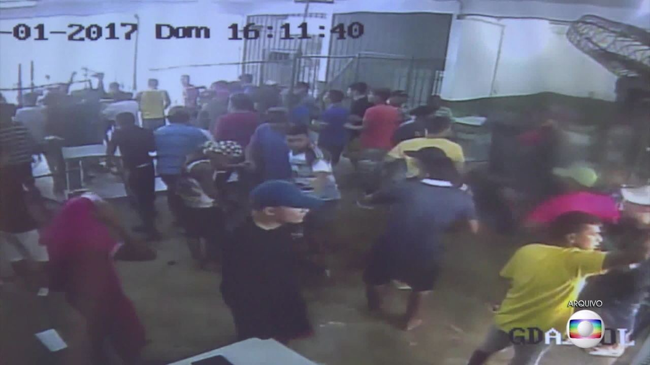 15 pessoas morrem em briga entre presos em penitenciária de Manaus