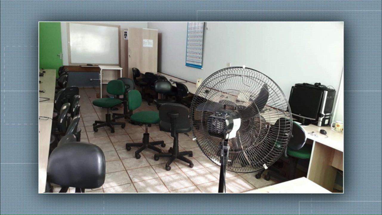 Ladrões levam computadores e eletrodomésticos de escola municipal
