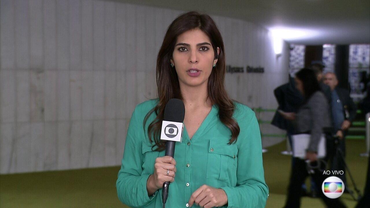 Andréia Sadi comenta pedido da AGU de entrada da polícia em universidades