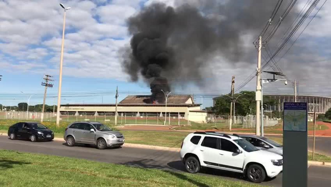 Incêndio atinge subestação da CEB, na Asa Norte