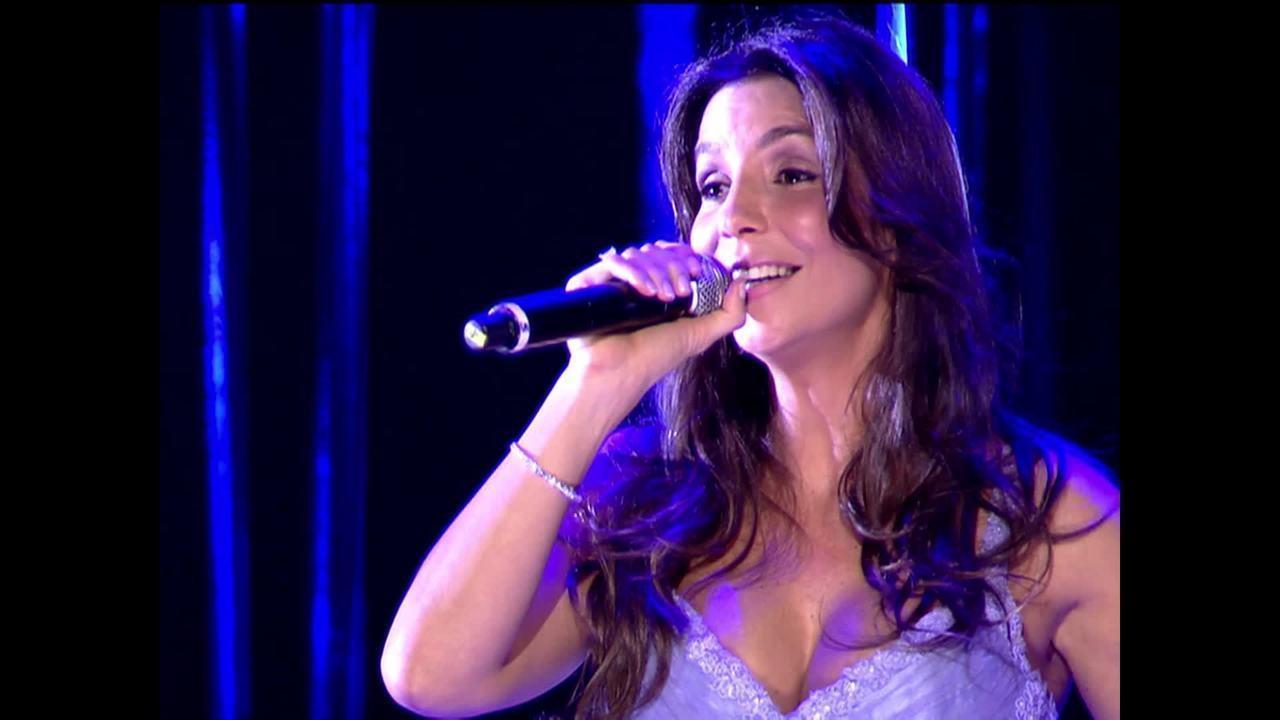 Ivete Sangalo canta 'Os seus botões'
