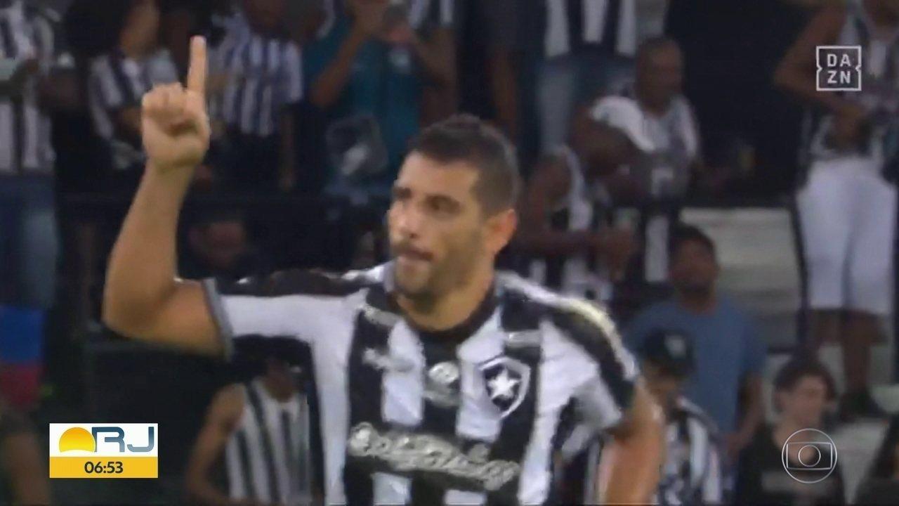 Botafogo e Flu nas oitavas da Sul-Americana