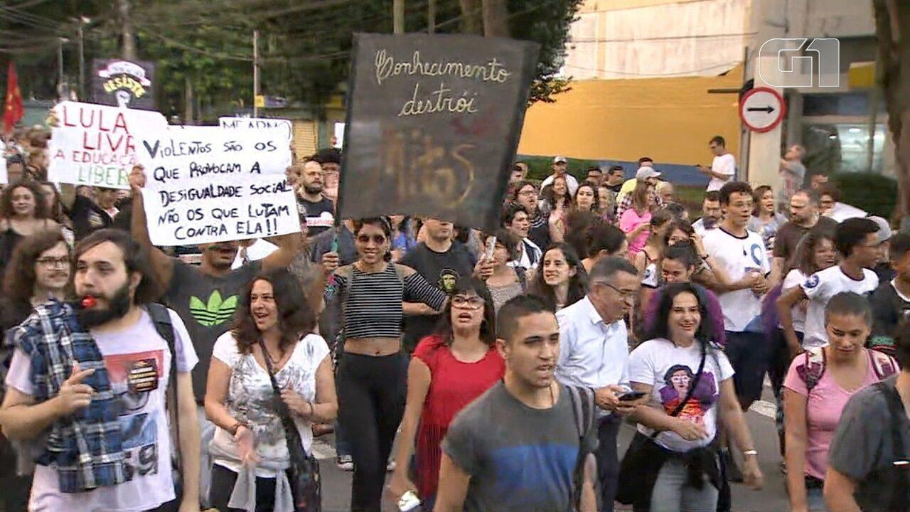 São José e Jacareí têm protestos contra os cortes na educação