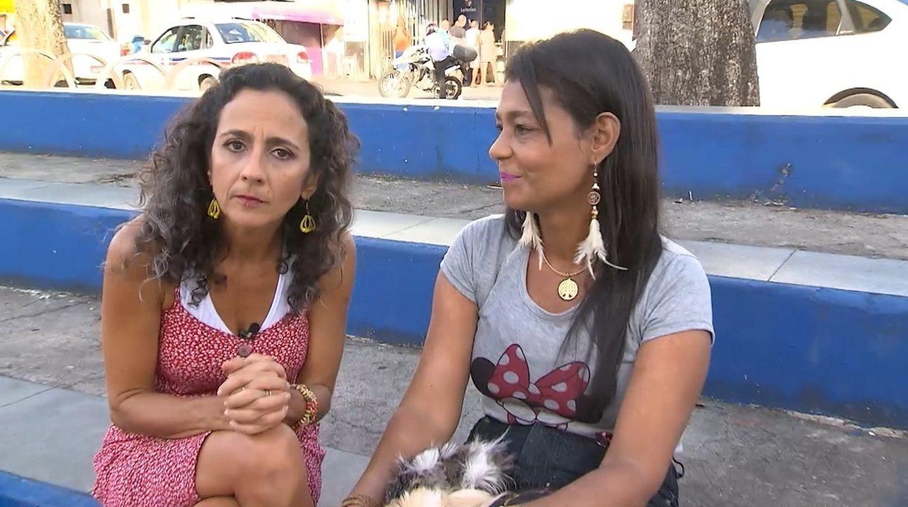 Na Lapinha, Maria Menezes conhece uma moradora que cria bichos roedores