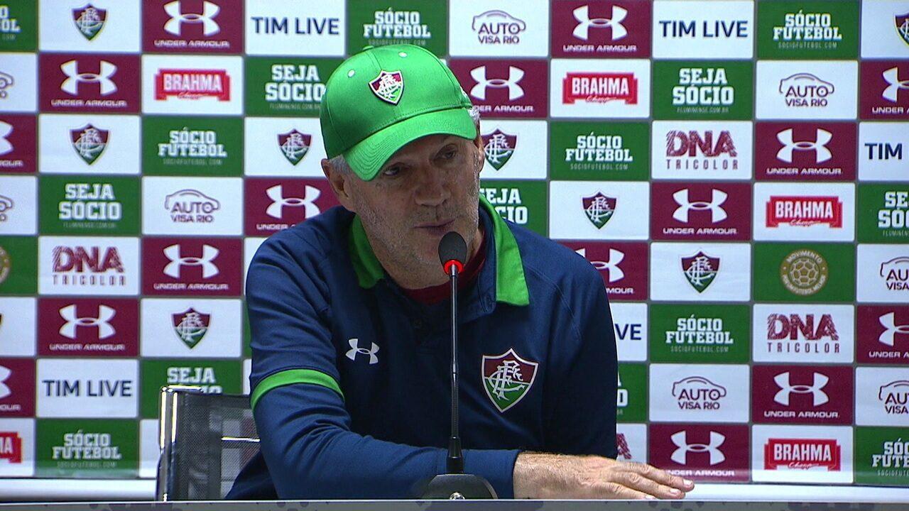 """Márcio Araújo: """"Jogamos muito tempo com um jogador a menos. 11 contra 11 sempre é muito difícil aqui"""""""