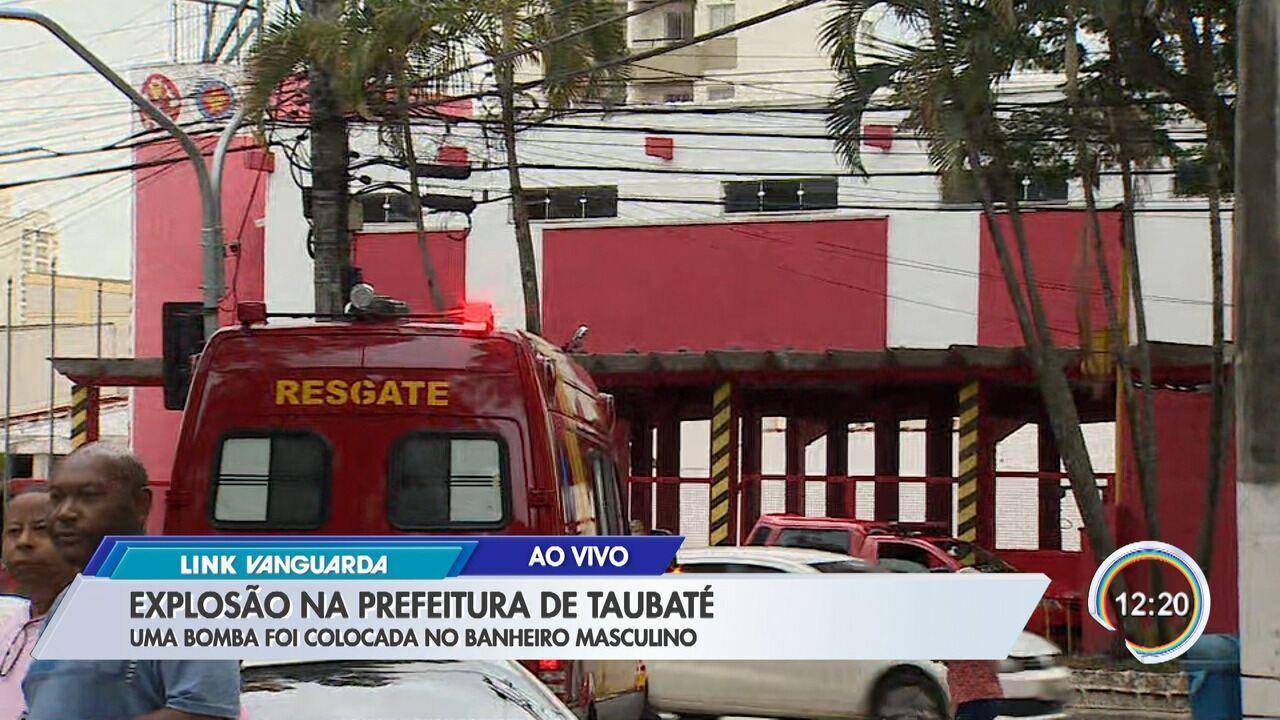 Bomba explode no prédio da Prefeitura de Taubaté, SP