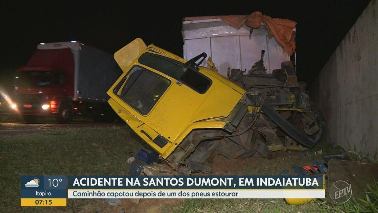 Caminhão capota após um dos pneus estourar na Rodovia Santos Dumont, em Indaiatuba