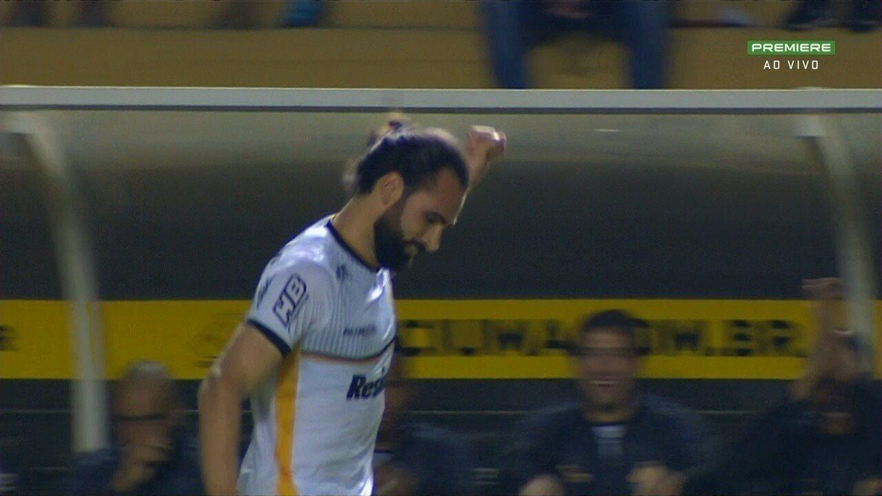 Gol do Criciúma! Léo Gamalho sobe de cabeça e marca, aos 30 minutos!