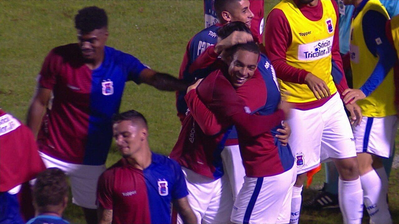 O gol de Paraná 1 x 0 Operário pela 8ª rodada do Brasileiro Série B