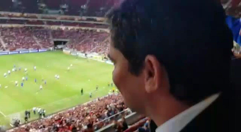 Bolsonaro leva Moro a estádio em Brasília em jogo do Flamengo