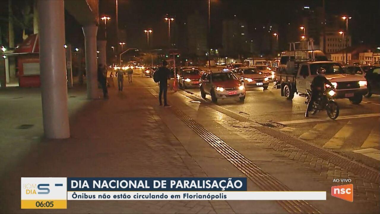 Ônibus não estão circulando nesta sexta-feira (14) em Florianópolis