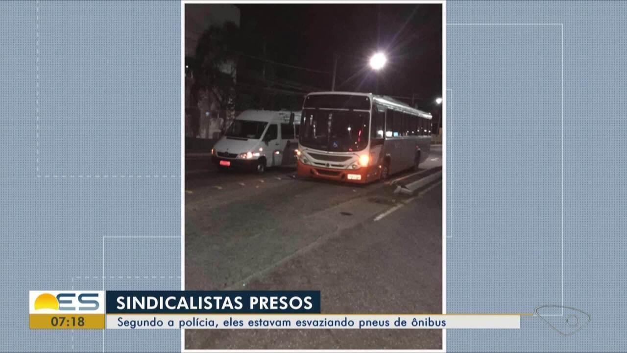 Sindicalistas são presos suspeitos de esvaziar pneus de ônibus na Grande Vitória