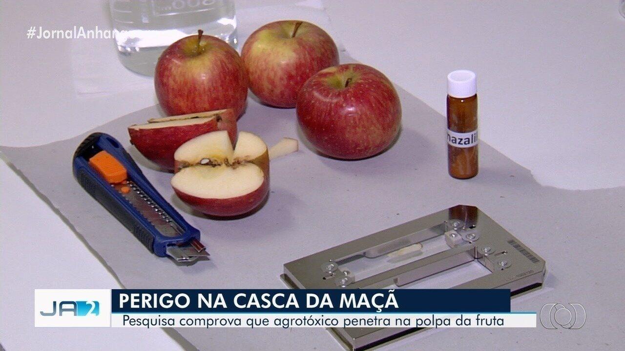 Pesquisa da UFG comprova que agrotóxico penetra em frutas