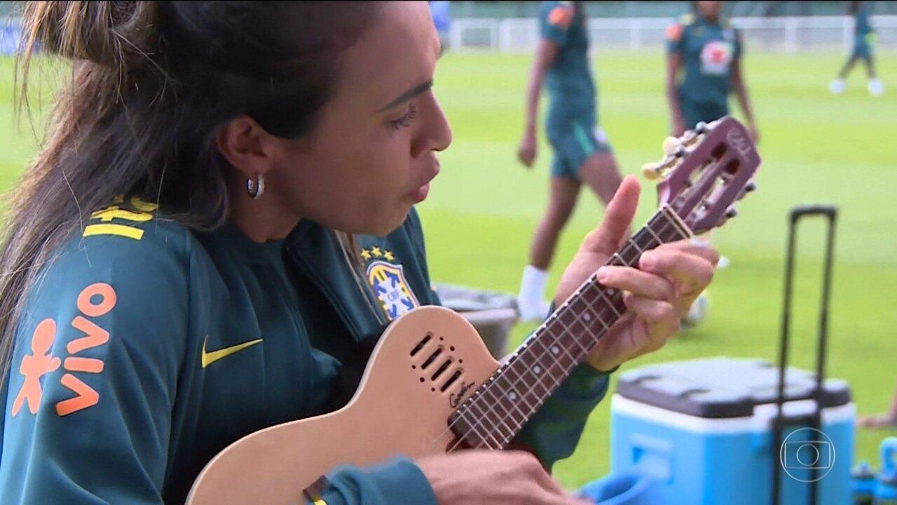 Marta levanta o astral da seleção antes do jogo decisivo contra a Itália